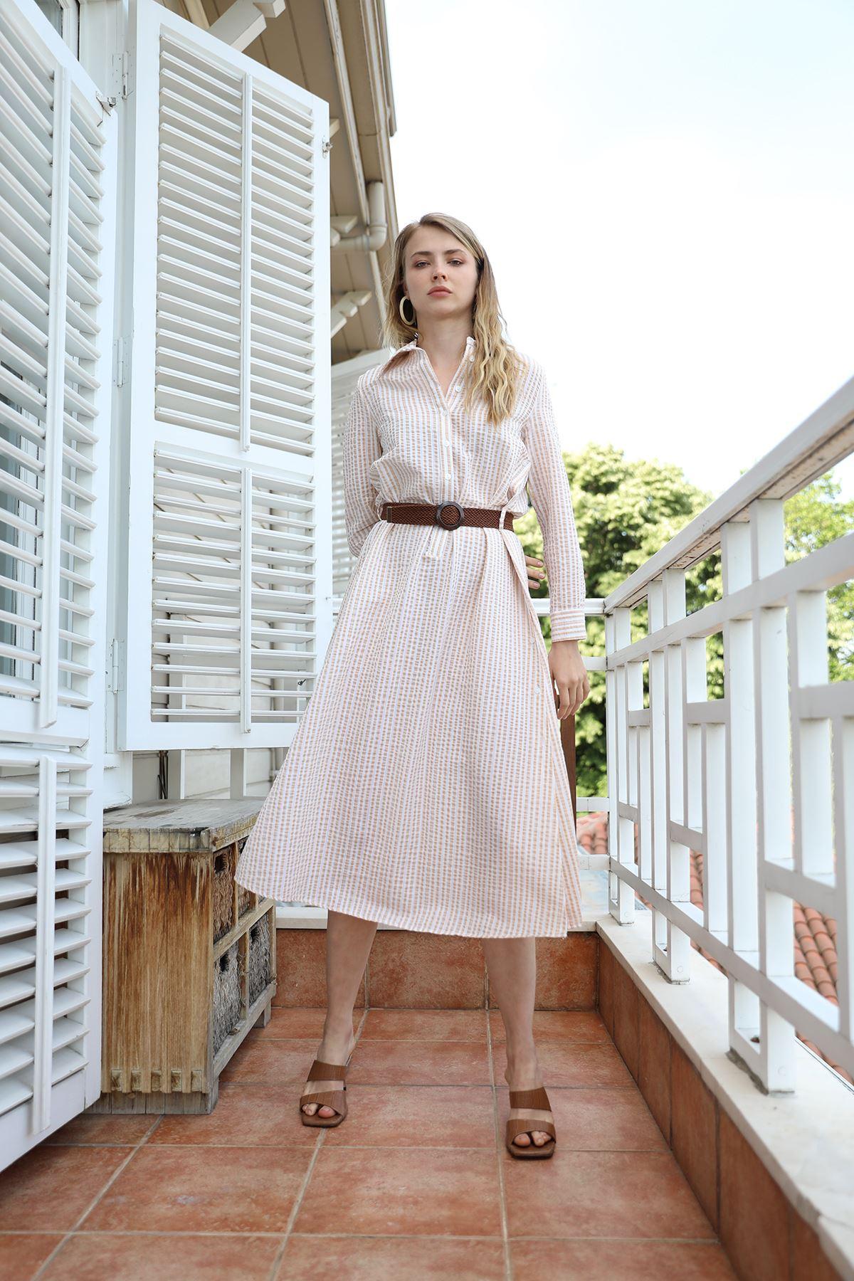 Çizgili Kemerli Elbise-Bej