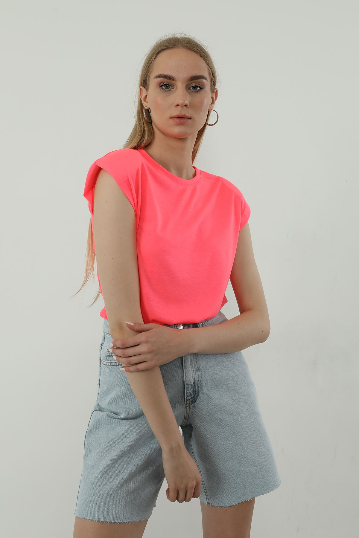 Vatkalı T-shirt-NEON PEMBE