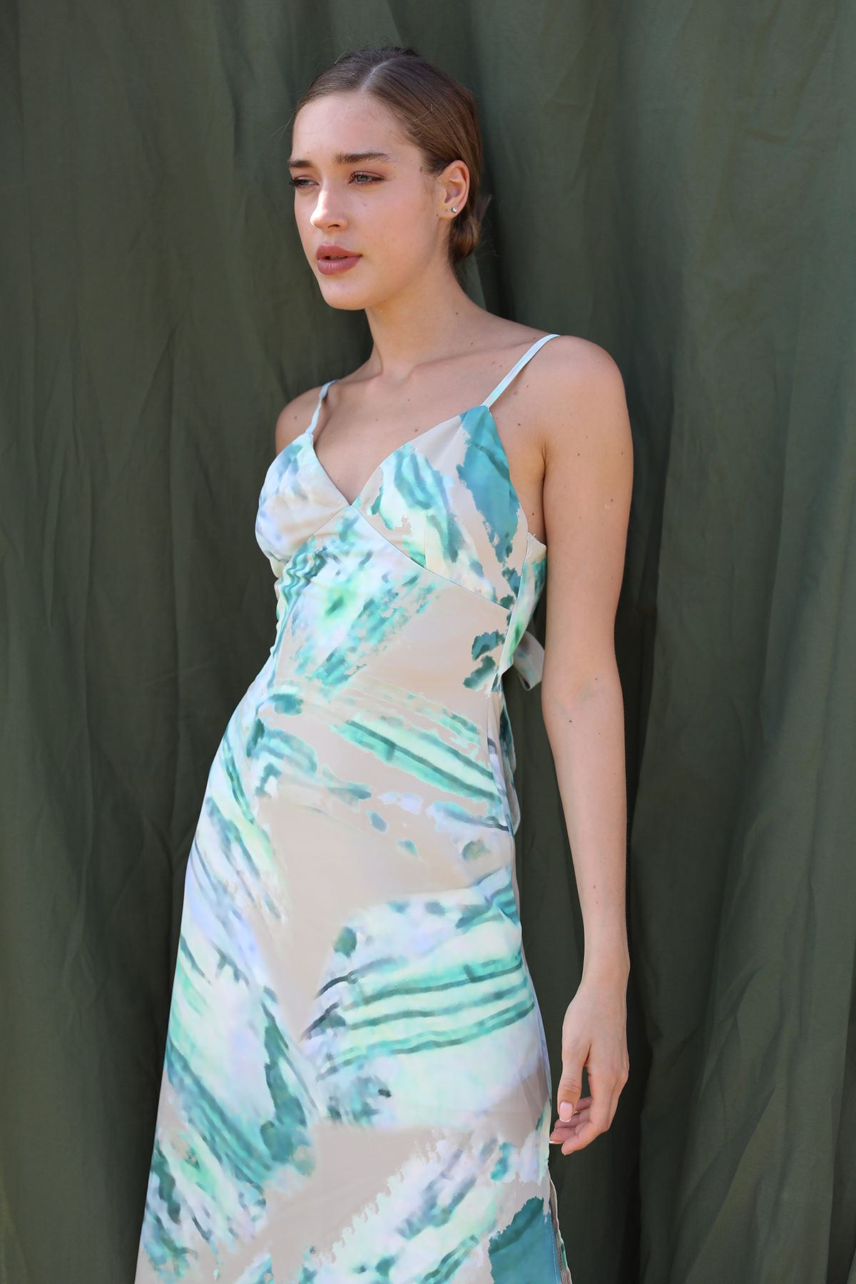 Sırt Dekolteli Elbise-Yeşil