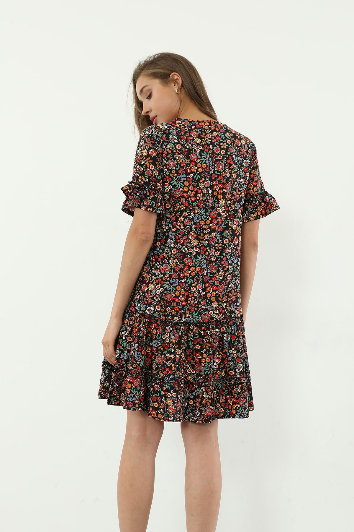 V Yaka Desenli Elbise-Siyah