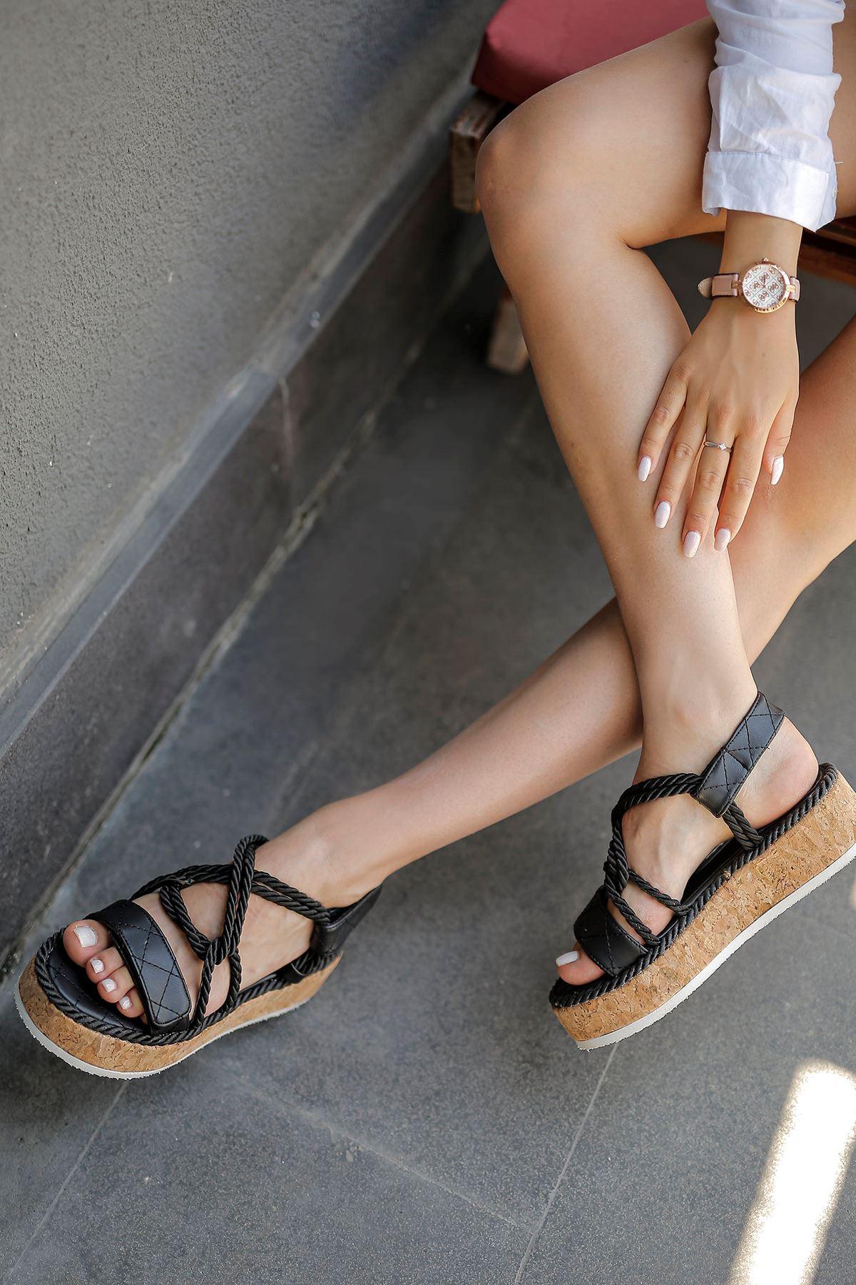 Bağlamalı Sandalet-Siyah