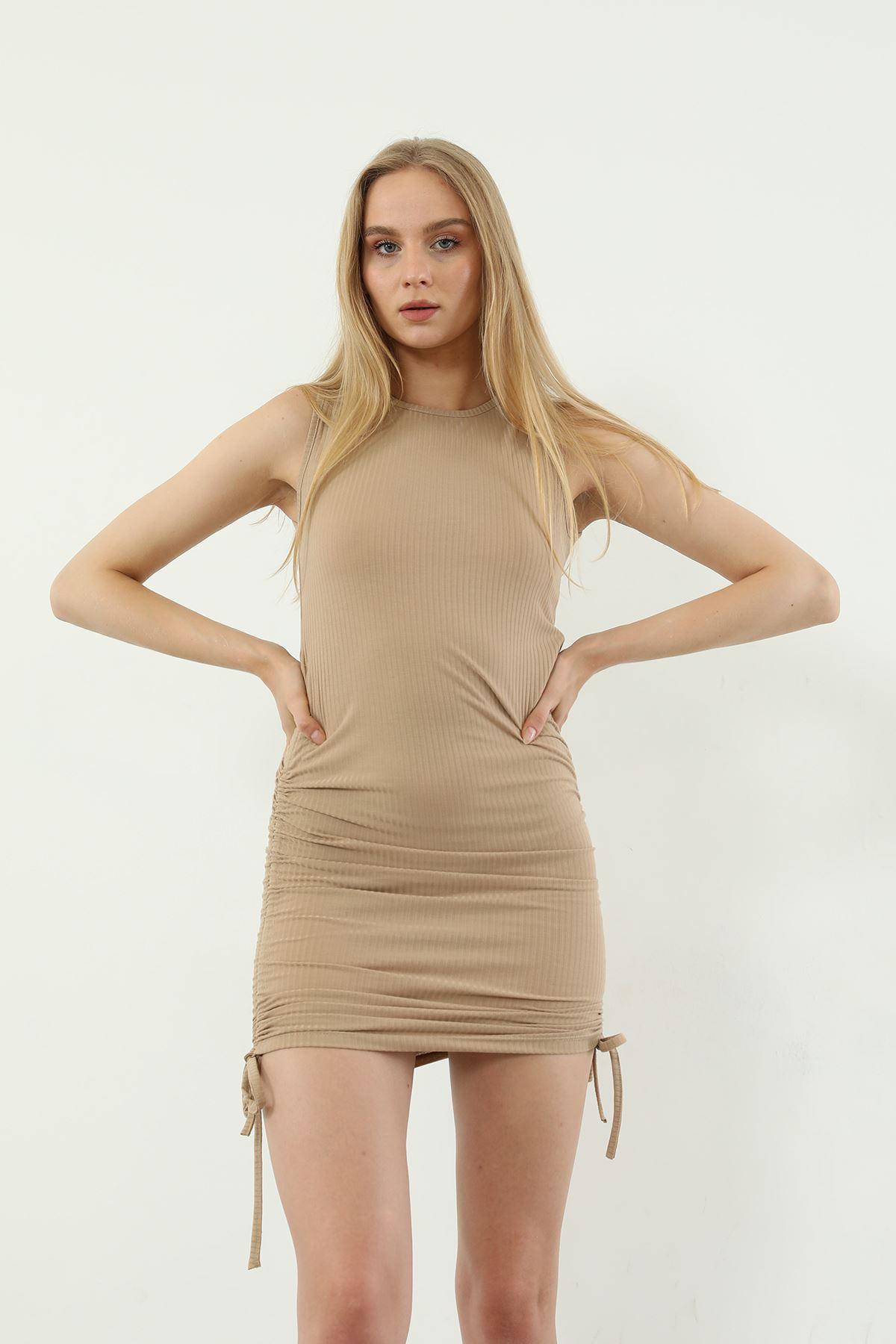 Yanları Büzgülü Elbise-Bej