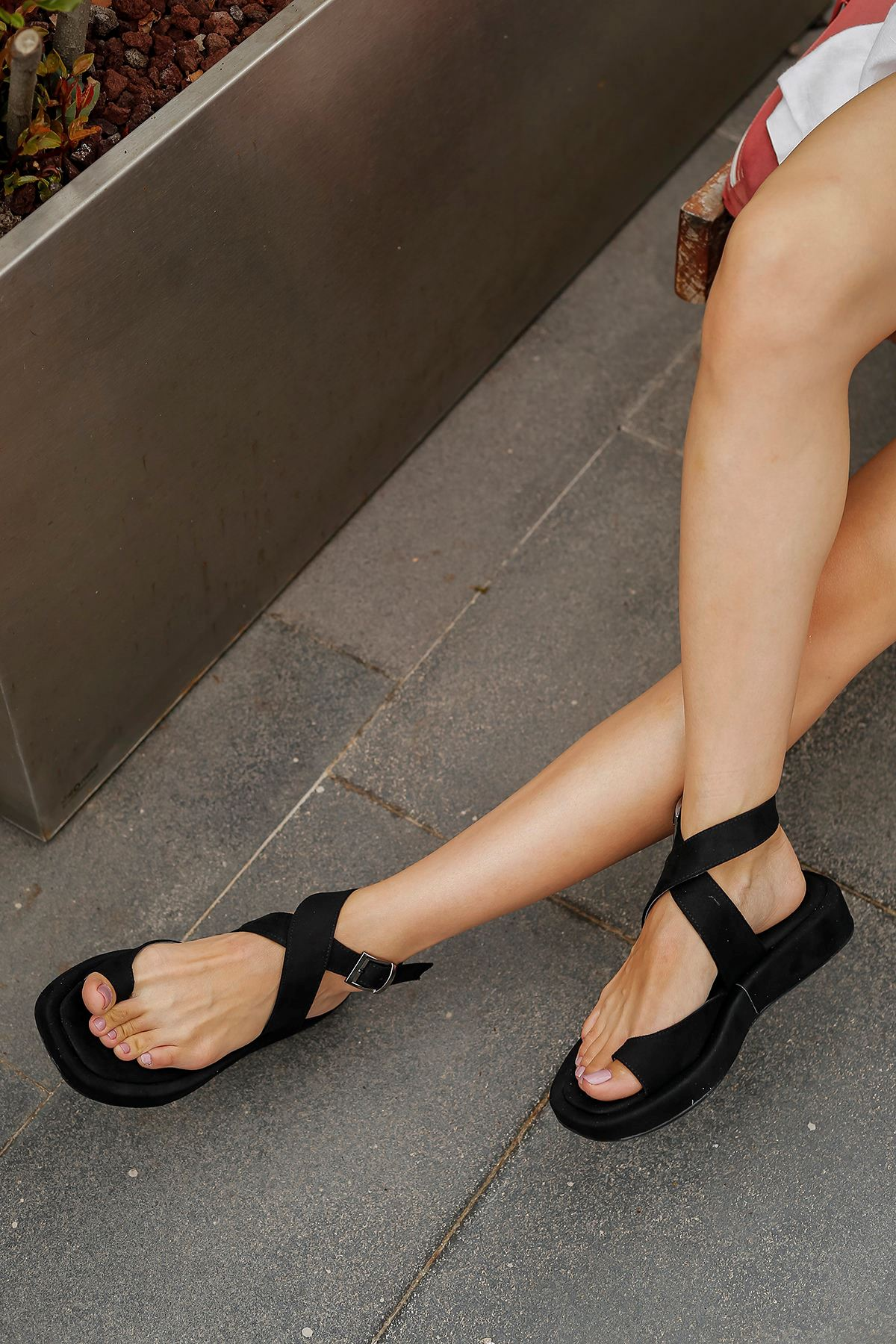 Süet Parmak Arası Sandalet-Siyah