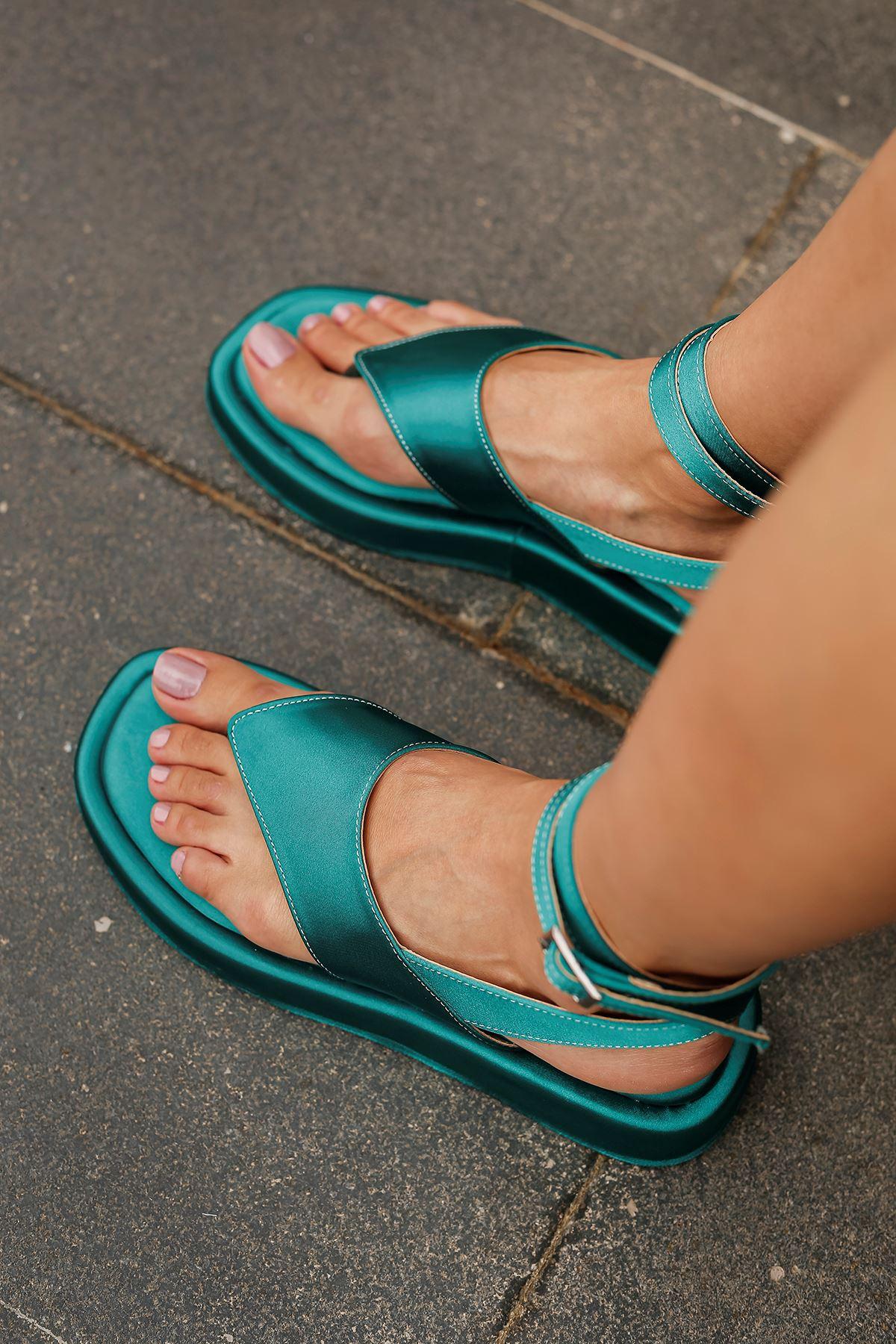 Parmak Arası Saten Sandalet-Yeşil