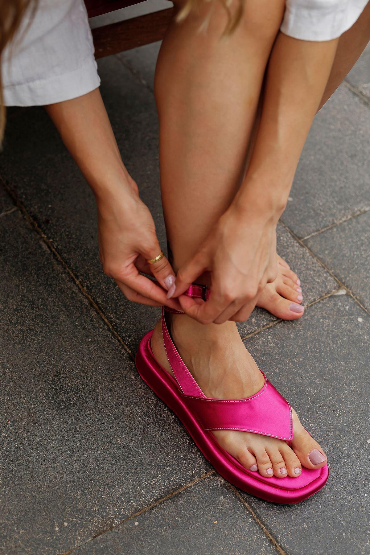 Parmak Arası Saten Sandalet-Fuşya