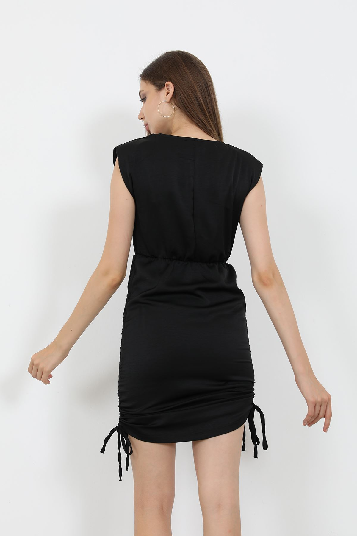 Vatkalı Saten Elbise-Siyah