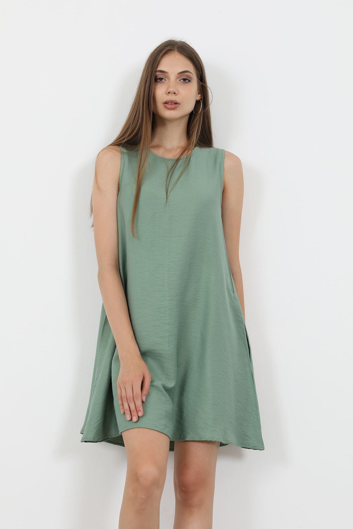 Sıfır Kol Elbise-Yeşil