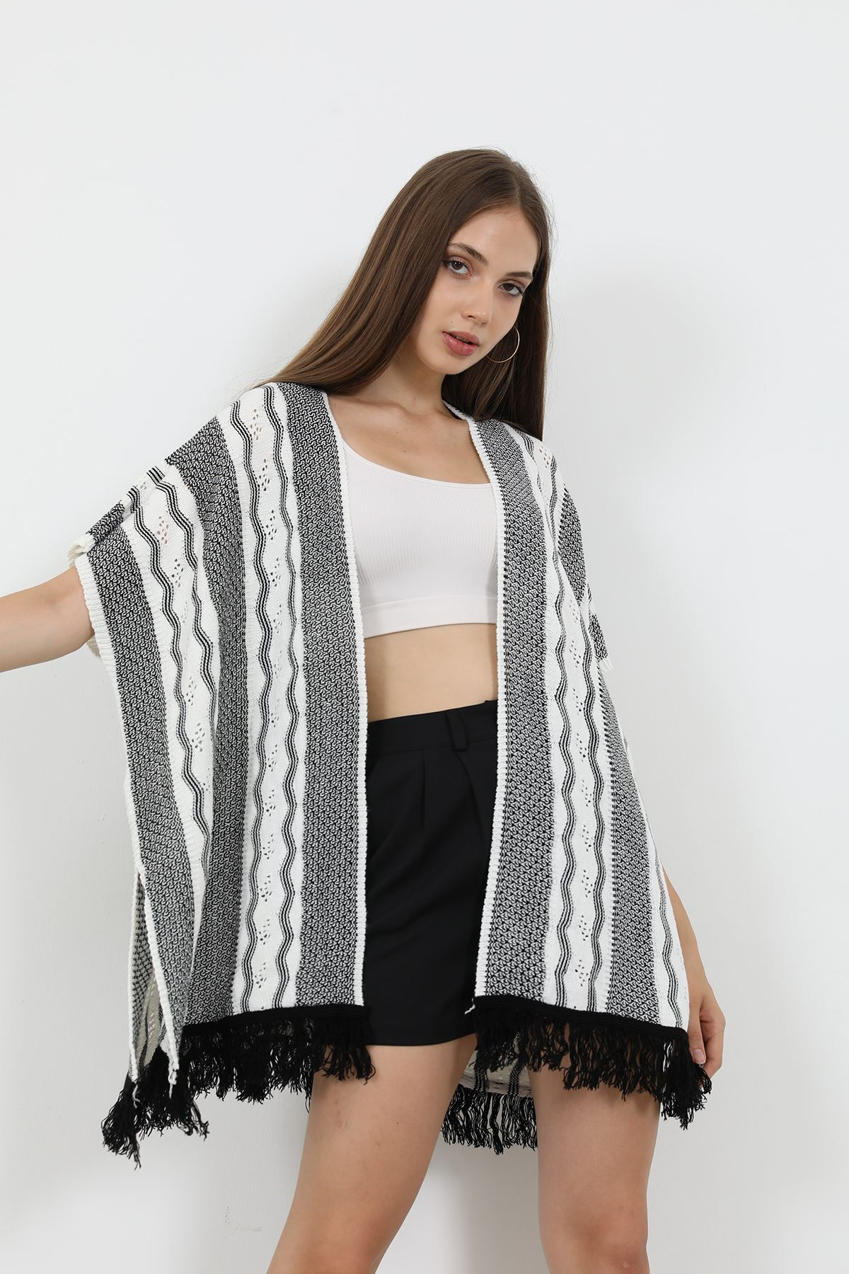 Püsküllü Triko Kimono-Siyah