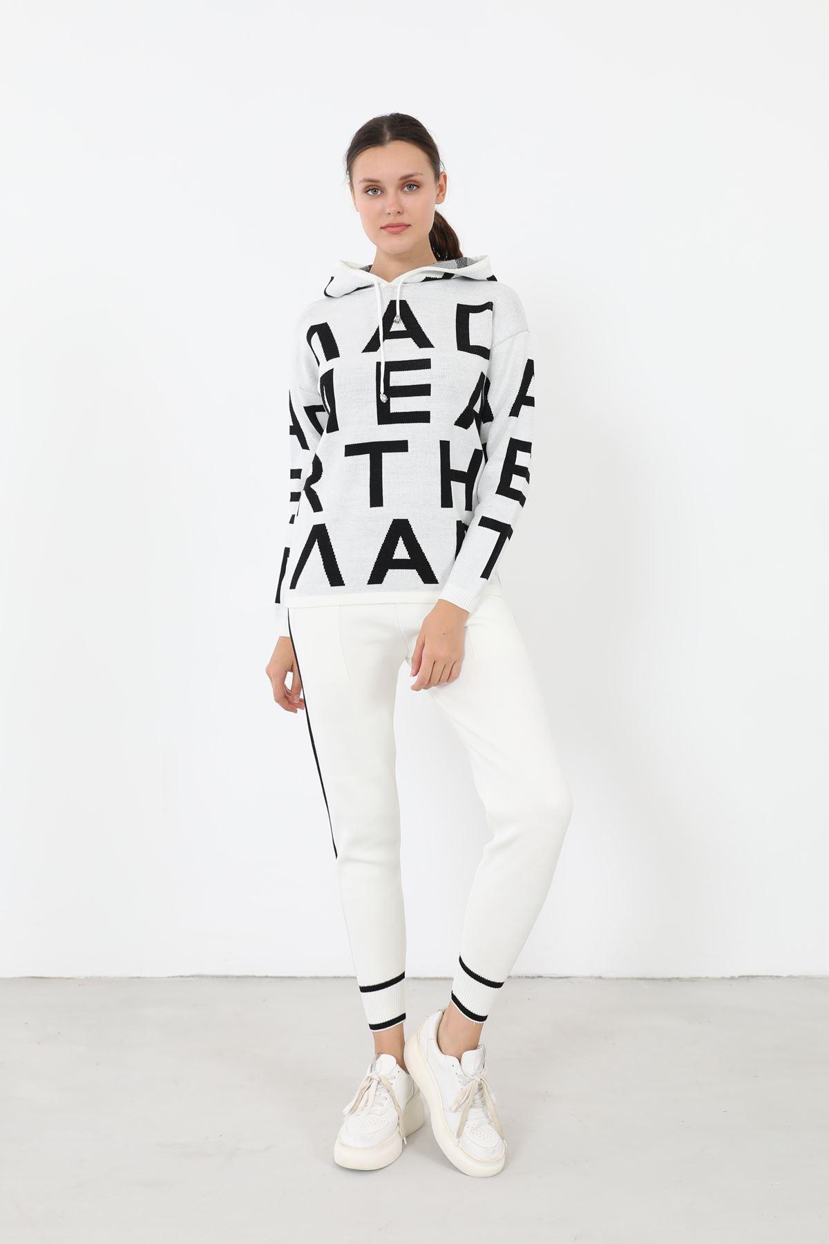 Harf Baskılı Triko Takım-Beyaz