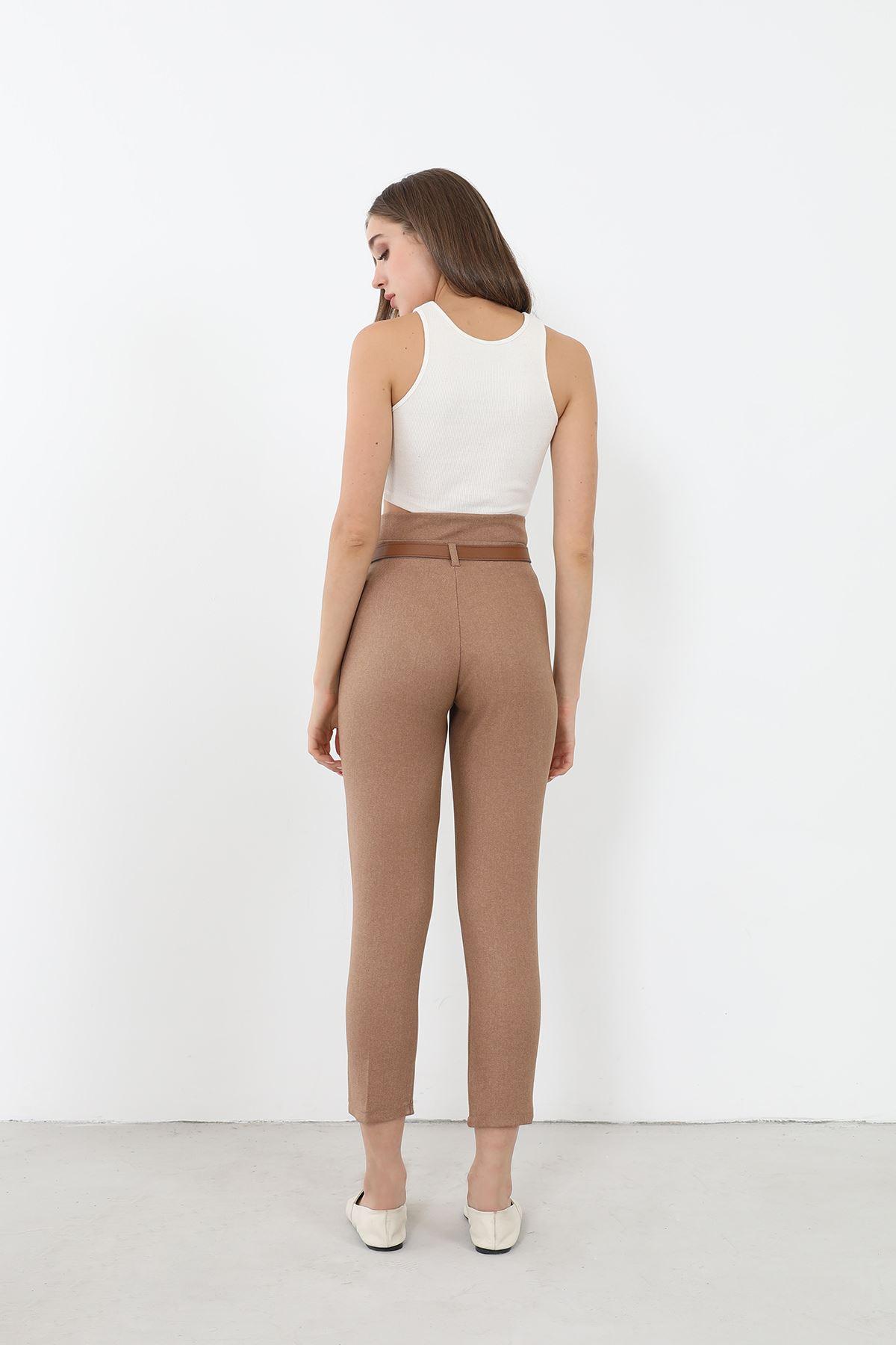 Kemerli Düz Paça Pantolon-Camel