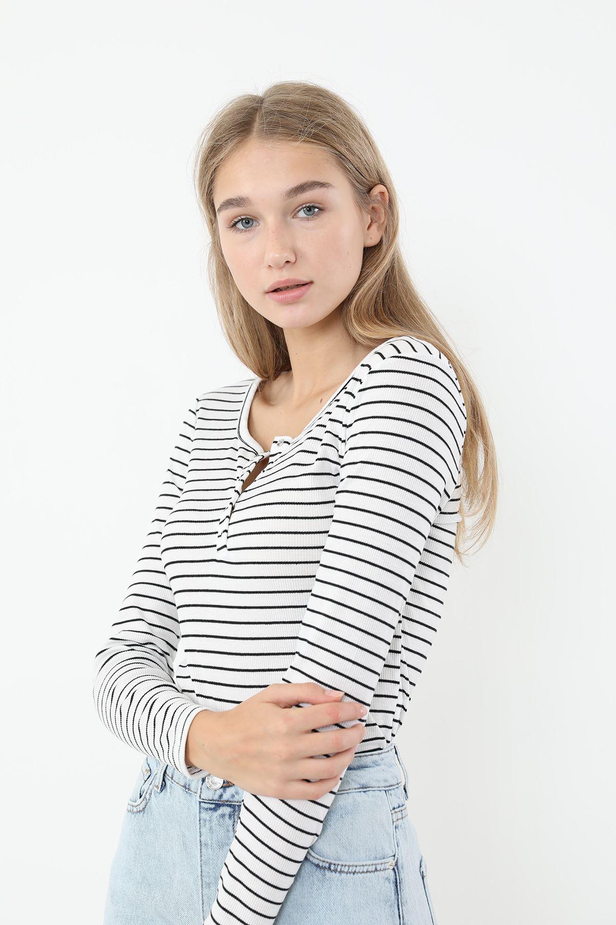Önü Çıtçıtlı Bluz-Çizgili