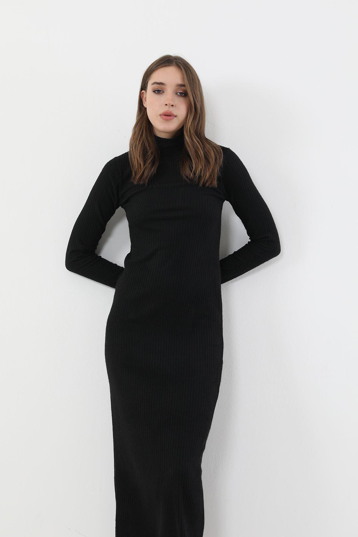 Dik Yaka Triko Elbise-Siyah