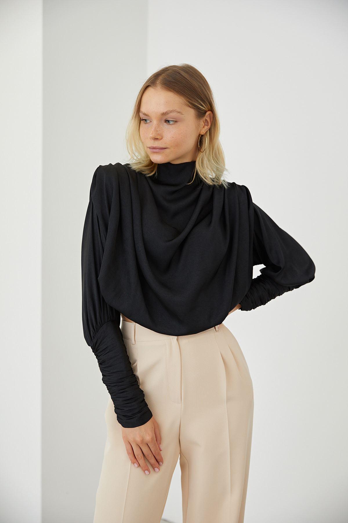 Dik Yaka Bluz-Siyah