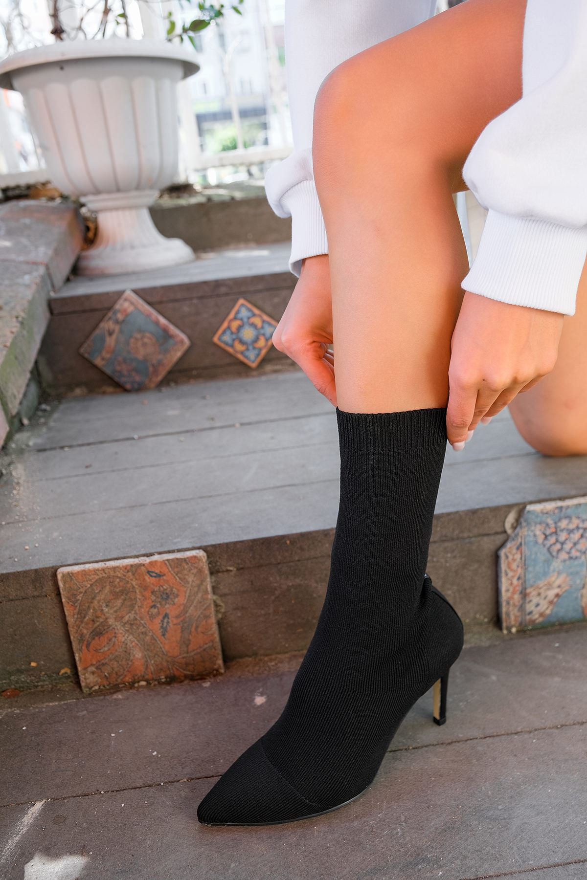 Topuklu Triko Bot-Siyah