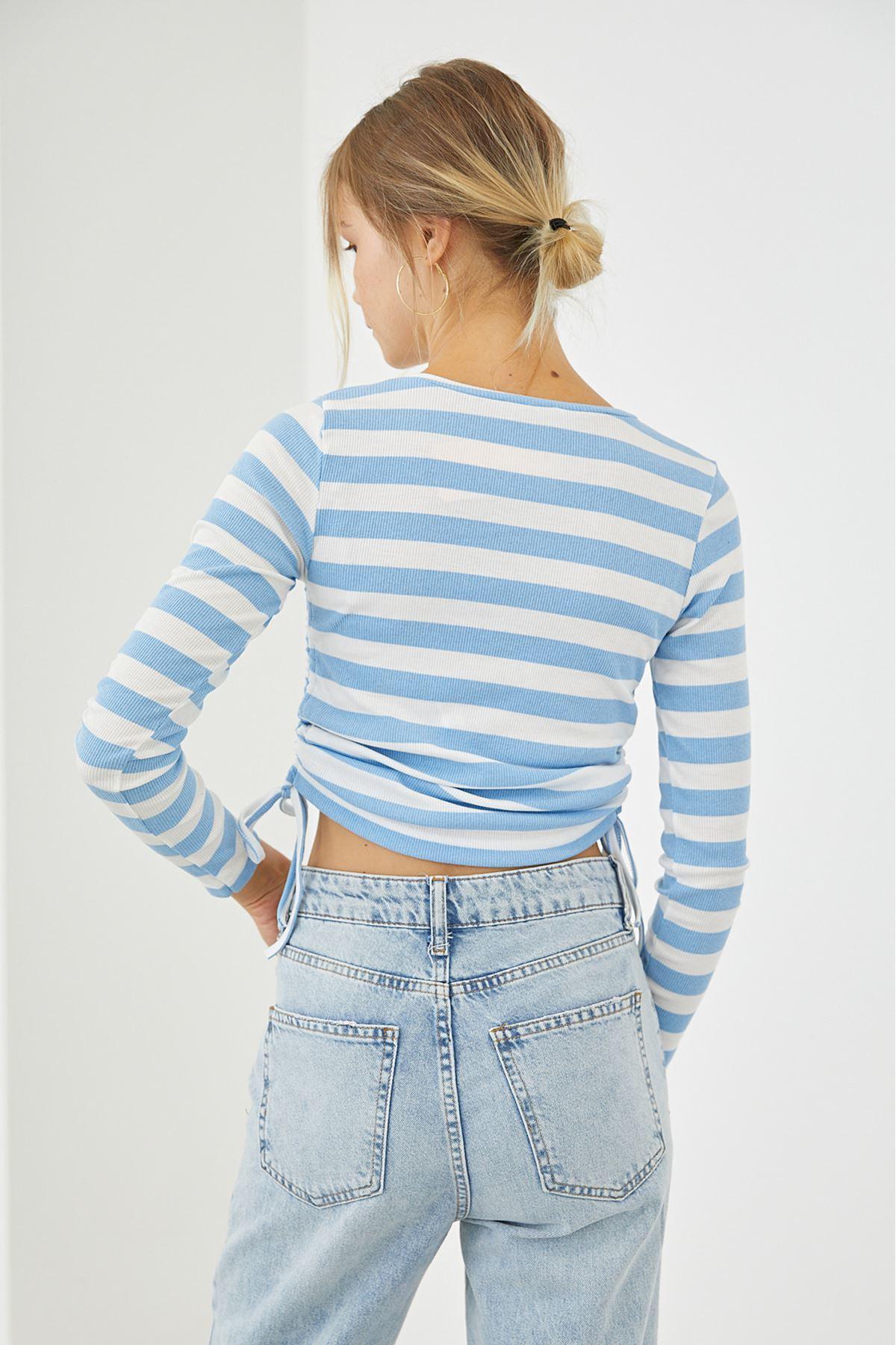 Yan Büzgülü Çizgili Bluz-Mavi